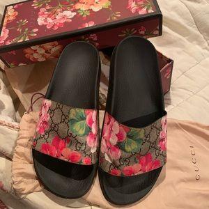 Gucci Bloom Supreme Slide Sandal